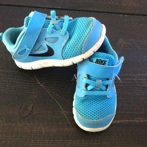 Nike Free runs boy size 9 torquise blue